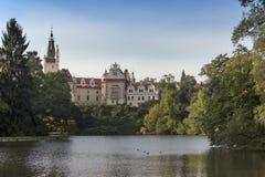 Столетие XVI особняка XII в Pruhonice около Праги, чехии около Праги стоковые фотографии rf