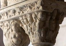 Столица романск в церков монастырей собора Trophime Святого в Arles Франция Провансаль стоковое изображение