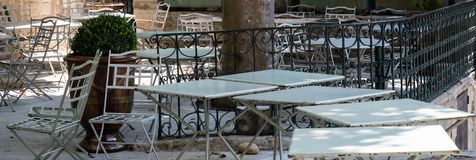 Столовая в деревне в Провансали, Франции Стоковые Фотографии RF