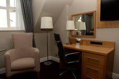 Стол в домашнем офисе Стоковые Изображения RF