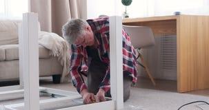 Стол для сборки плотника дома видеоматериал
