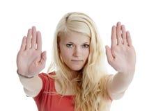 Стоп выставок женщины с 2 руками Стоковая Фотография RF