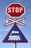 стоп знака скрещивания железнодорожный Стоковые Изображения