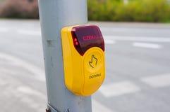Стоп - кнопка crosswalk Стоковое Фото
