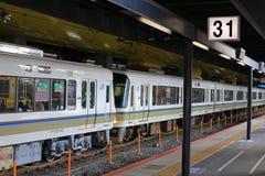 стоп поезда на станции Киото Стоковые Изображения