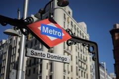 Стоп Санто Доминго метро в Мадриде Стоковые Изображения