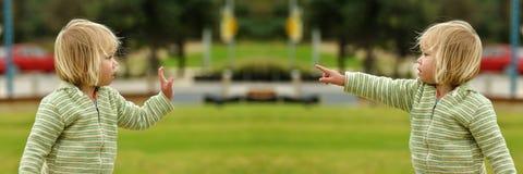 стоп 2 пункта жестов Стоковые Фото