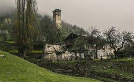 Сторожевая башня в Svaneti Georgia стоковая фотография rf