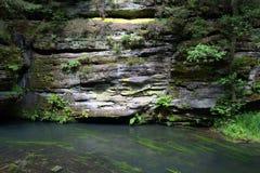 Сторона горы и река горы Стоковое Фото