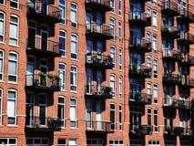 Сторона здания с окнами Стоковые Фотографии RF
