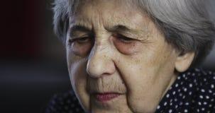 Сторона конца-вверх старшей женщины видеоматериал