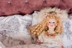 Сторона красивейшей куклы год сбора винограда Стоковая Фотография