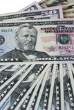 Сторона долларовых банкнот лежа Стоковые Фото
