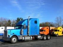 сторона перевозит взгляд на грузовиках стоковое изображение