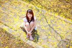 Сторона портрета довольно азиатской женщины Стоковое Изображение RF
