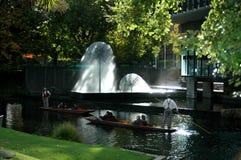 сторона реки фонтана Стоковое фото RF