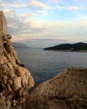 Сторона скалы Хорватии стоковые фотографии rf