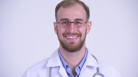 Сторона счастливого бородатого доктора человека кивая головой да сток-видео