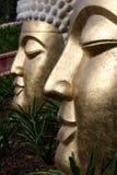 стороны золотистые 2 buddhas стоковое фото rf