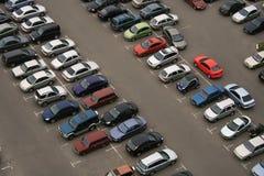 стоянка автомобилей автомобиля стоковые изображения rf