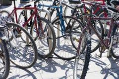 Стоянка автомобилей велосипеда Стоковое Изображение