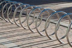 Стоянка автомобилей велосипеда Стоковая Фотография RF