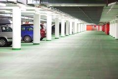 стоянка автомобилей гаража подземная Стоковые Изображения RF