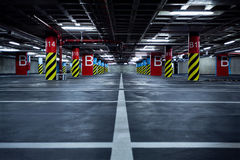 стоянка автомобилей гаража подземная Стоковое Изображение