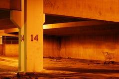 стоянка автомобилей 2 гаражей вакантная Стоковые Фотографии RF