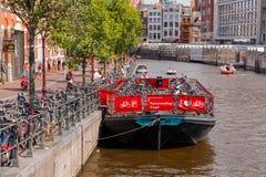 стоянка автомобилей велосипеда amsterdam Стоковые Фото