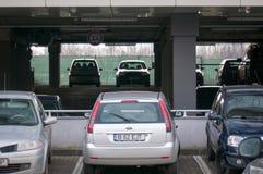 стоянка автомобилей серии самомоднейшая Стоковые Фотографии RF