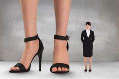 Стоять больших и мелкого бизнеса женщин Стоковые Фотографии RF