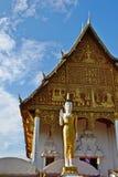 Стоящее изображение Будды Стоковое фото RF
