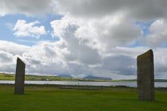 Стоящие камни Stenness, неолитические мегалиты в острове материка оркнейских остров, Шотландии Стоковые Фотографии RF