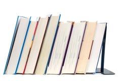 стоящие учебники стоковые фото