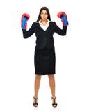 Стоящий бокс бизнес-леди Стоковые Изображения