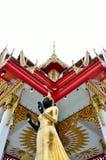 Стоя изображение Будды Стоковые Фото