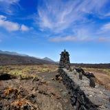 Столбец загородки камня лавы Palma Ла в Fuencaliente Стоковые Изображения RF