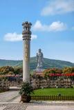 Столбец Ashoka живописной местности Будды гиганта Wuxi Lingshan Стоковое Изображение