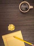 Стол, бумага, карандаш, кофе, космос экземпляра Стоковые Изображения