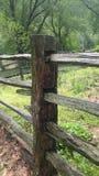 Столб загородки почти 80 лет Стоковое Фото