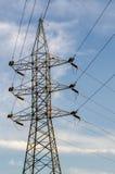 Столб электричества в голубом небе Стоковое Фото
