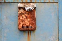 столб letterbox коробки ржавый Стоковые Изображения RF