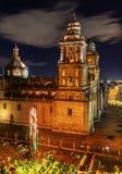 Столичный собор Zocalo Мехико Мексика на ноче Стоковое фото RF