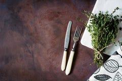 Столовый прибор с ручкой цвета слоновой кости Стоковые Изображения
