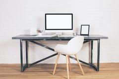 Стол с стулом Стоковые Фото