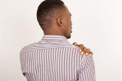 страдание плеча боли человека стоковое изображение rf