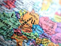 Страна съемки макроса фокуса Германии на карте глобуса для блогов перемещения, социальных средств массовой информации, знамен веб Стоковая Фотография RF