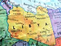 Страна съемки макроса фокуса Ливии на карте глобуса для блогов перемещения, социальных средств массовой информации, знамен вебсай стоковые изображения rf