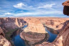 Страница Аризона загиба ботинка лошади и Vermillion скалы стоковое фото rf